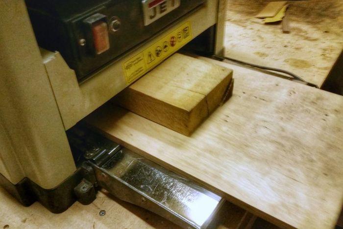 Рейсмусования деревянной заготовки
