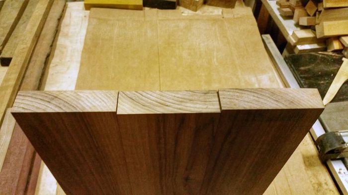 Составление цельноламельного деревянного щита по расположению волокон брусков