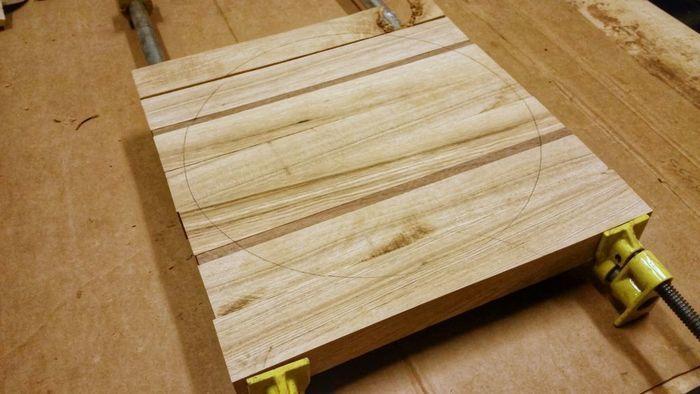 Склейка деревянного цельноламельного щита