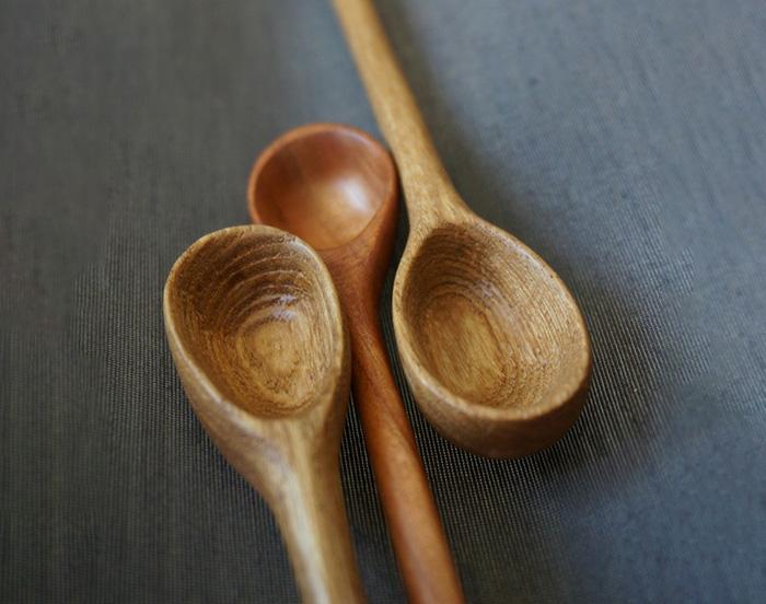 деревянные ложки из древесины ясеня и вишни
