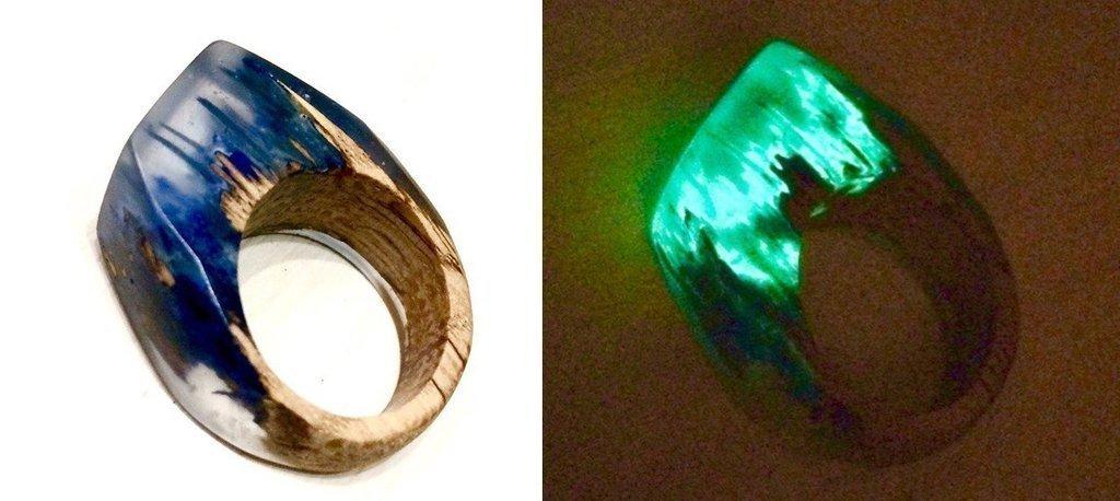 кольцо из древесины и эпоксидной смолы с добавлением люминофора
