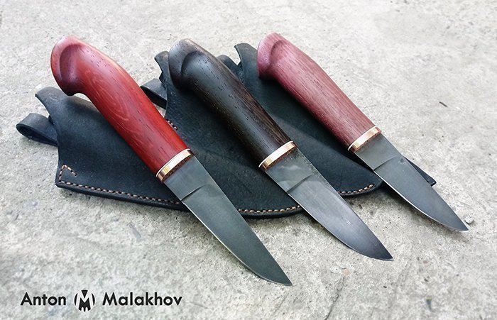 три ножа с рукоятями из падука, венге и амаранта