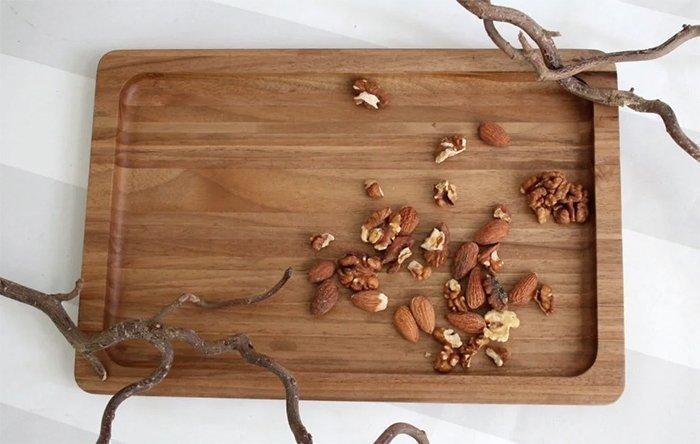 Деревянный поднос из древесины кавказского грецкого ореха