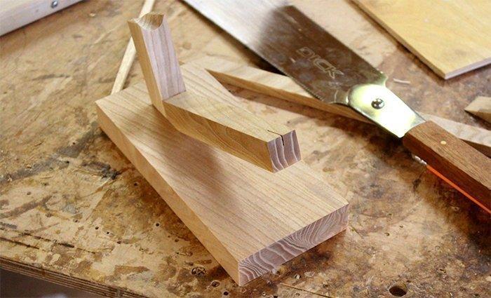 подставка под нож из древесины