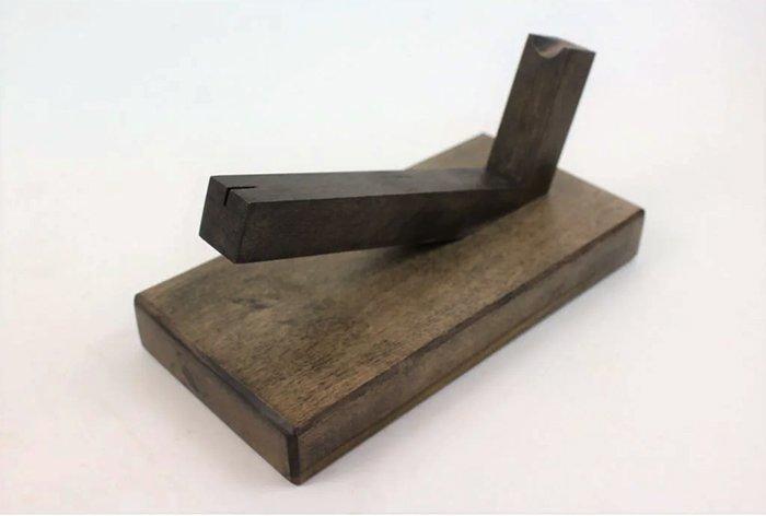 подставка для демонстрации ножа