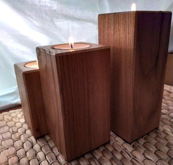 комплект деревянных подсвечников из древесины карагача под чайную свечу