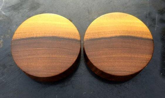 плаги для ушей из древесины бакаута