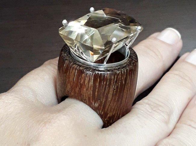 Кольцо из древесины сукупиры