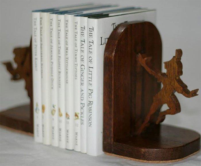 Декоративные подставки для книжной полки из древесины сукупиры